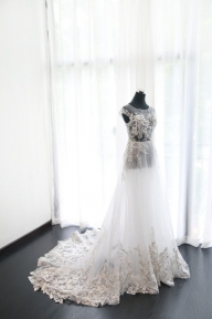 A-line Bateau Court Train Tulle Wedding Dress Applique [VIVIDRESS1053] - R2314 : vividress.co.za - Suknie ślubne
