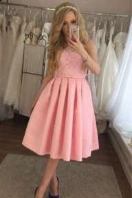 Charming Lace A-line Satin Knee Length Homecoming Dress M481 - Ombreprom - Buty ślubne damskie