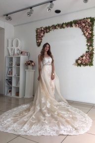 Tulle Wedding Dresses Mermaid Scoop With Applique Chapel Train Detachable Dress link:https://bit.ly/3unPtCD 10% OFF FOR YOUR FIRST ORDER CODE: RJSGIRL - Sukienki na wesele